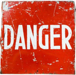 Hirnaussetzer - Das Wort DANGEFR auf einem Schild